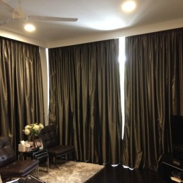 Onsite dry cleaning of curtains